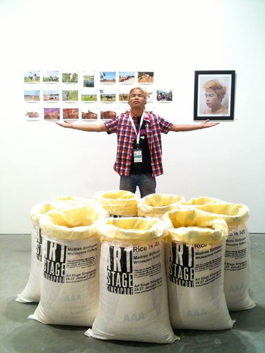 Rice is Art_Installation_9 of rice bags(450kg.)_2013_jpg